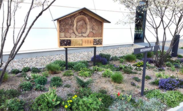 Bienenhotel Losan Pharma